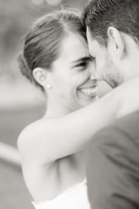 la mariée rigole